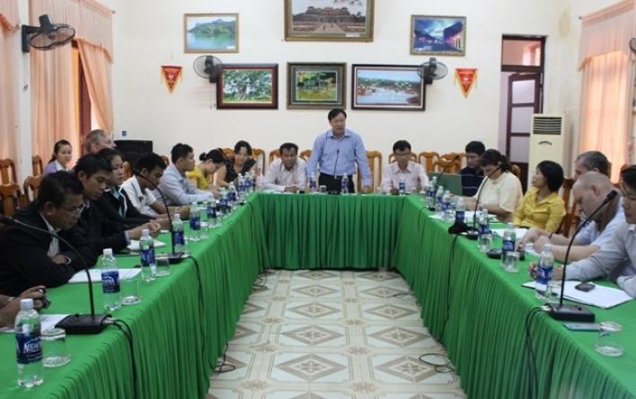 BQL VQG Phong Nha - Kẻ Bàng làm việc với Đoàn công tác của KBT Quốc gia Hin Nậm Nô, CHDCND Lào